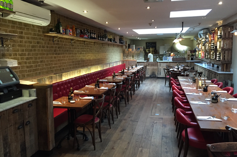 Cacciaris Italian restaurant situated in Kensington