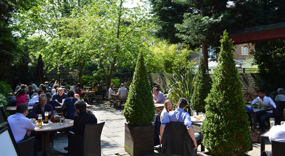 Garden at The Queens Head