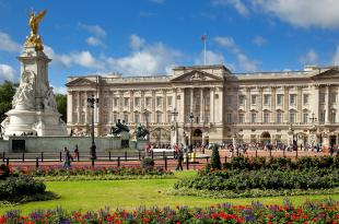 Buckingham Palace is the home of the royal family and a great spot to visit when at Olympia.