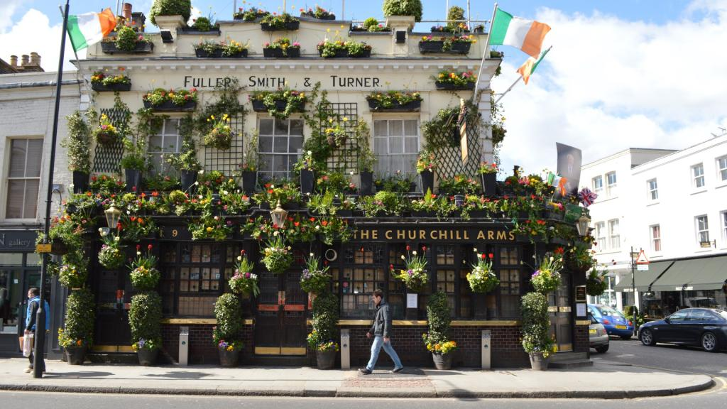 Flower-bedecked real ale boozer, filled with Churchill memorabilia, serving Thai noodles and curry.