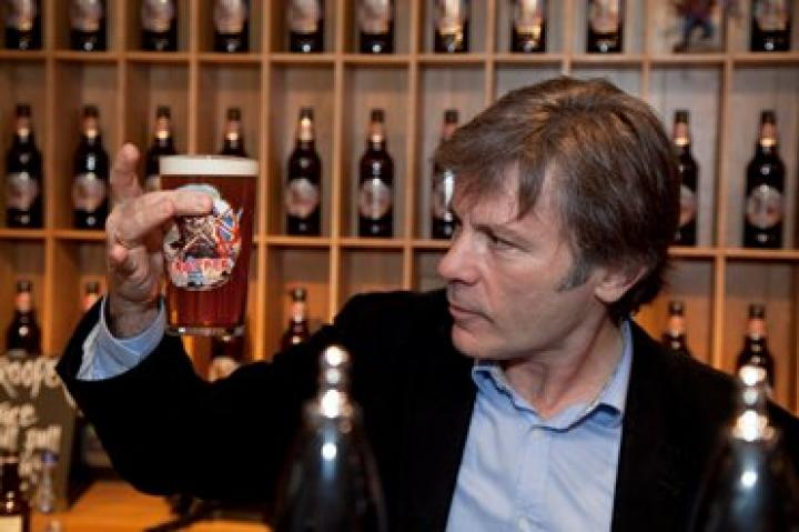 Bruce Dickinson announces the winning beer at the Great British Beer Festival